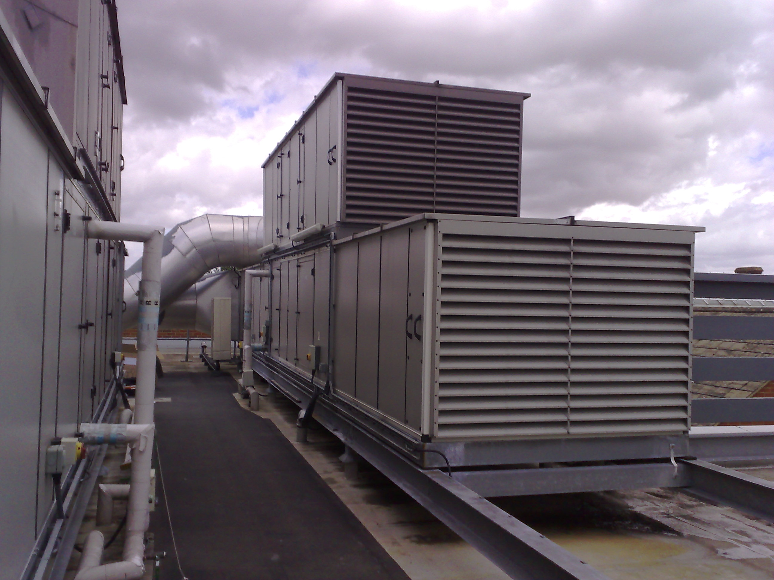 Air conditioning and refrigeration offer an installation and maintenance service