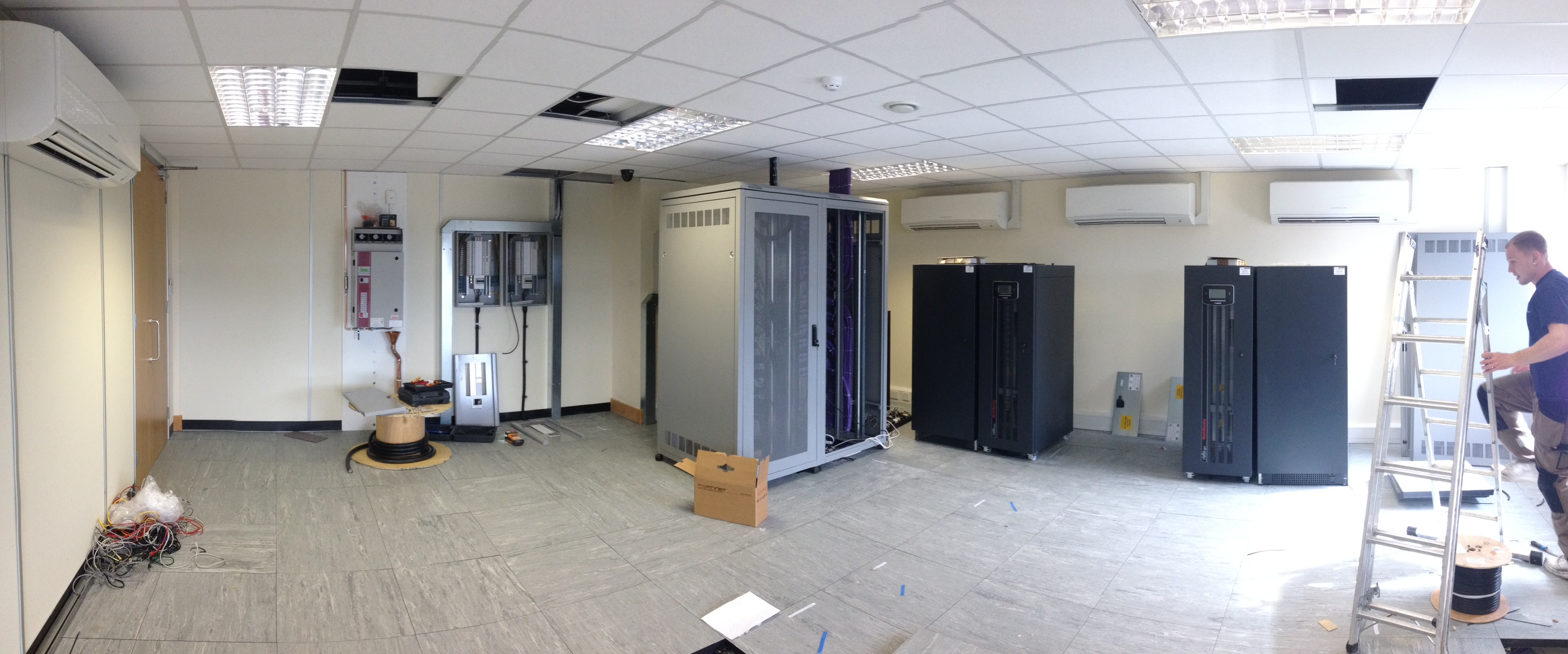 Server room air conditioning installation,